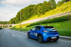 nuova_peugeot_e_208_vince_eco_electric_race_lituania_electric_motor_news_03