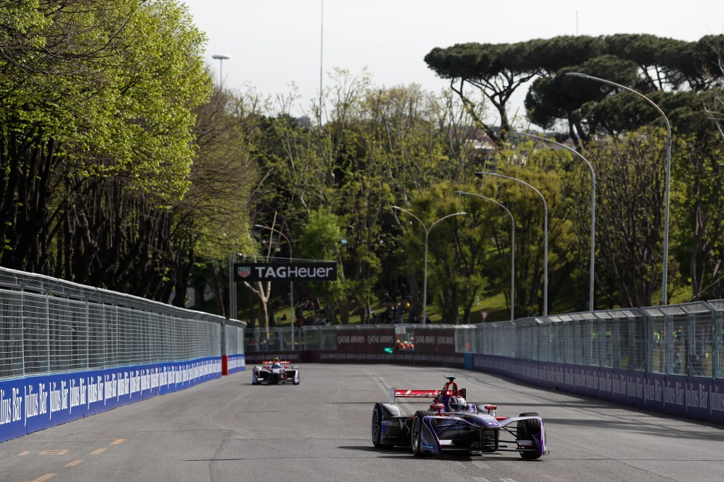 Alex Lynn (GBR), DS Virgin Racing, DS Virgin DSV-03, leads Sam Bird (GBR), DS Virgin Racing, DS Virgin DSV-03.