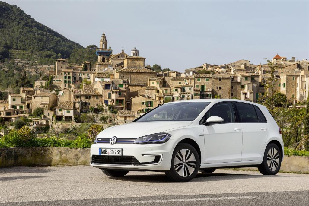 volkswagen_Nuova_e-golf_electric_motor_news_11