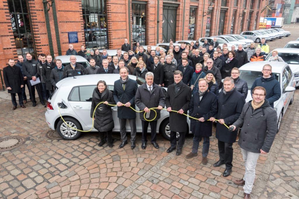 volkswagen_e-golf_amburgo_electric_motor_news_02