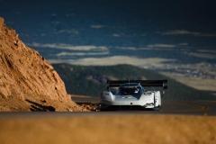 volkswagen_id-r_pikes_peak_ricarica_electric_motor_news_01