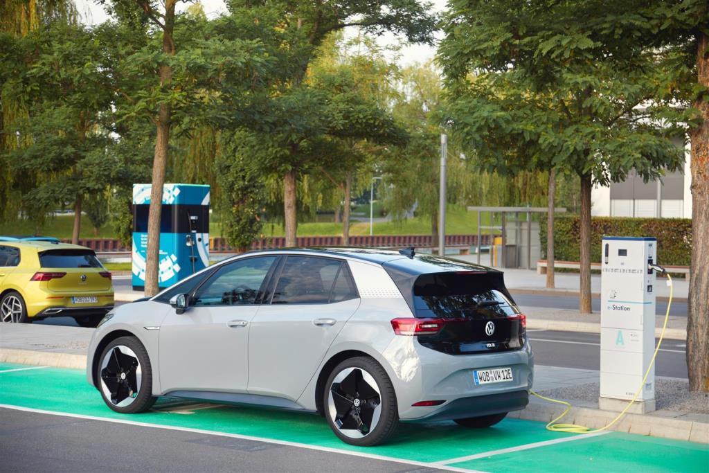 we_charge_volkswagen_electric_motor_news_03