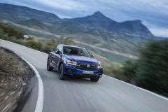 volkswagen_touareg_r_hybrid_electric_motor_news_05