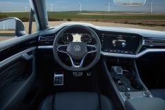 volkswagen_touareg_r_hybrid_electric_motor_news_23