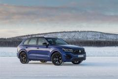volkswagen_touareg_r_hybrid_electric_motor_news_27