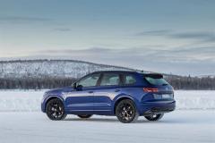 volkswagen_touareg_r_hybrid_electric_motor_news_28