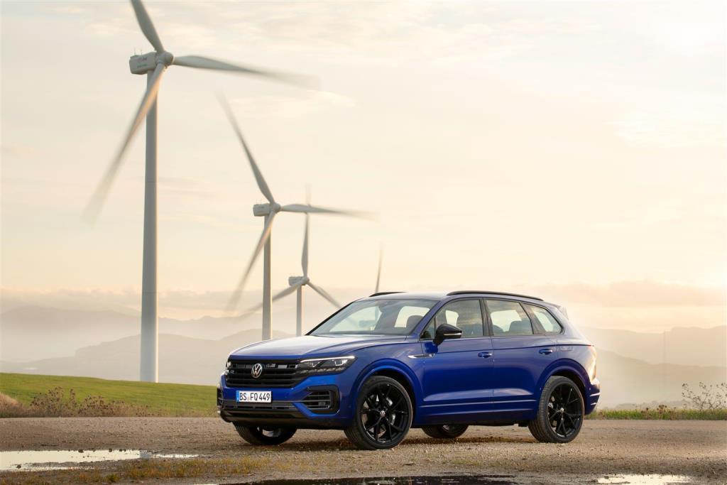 volkswagen_touareg_r_hybrid_electric_motor_news_01