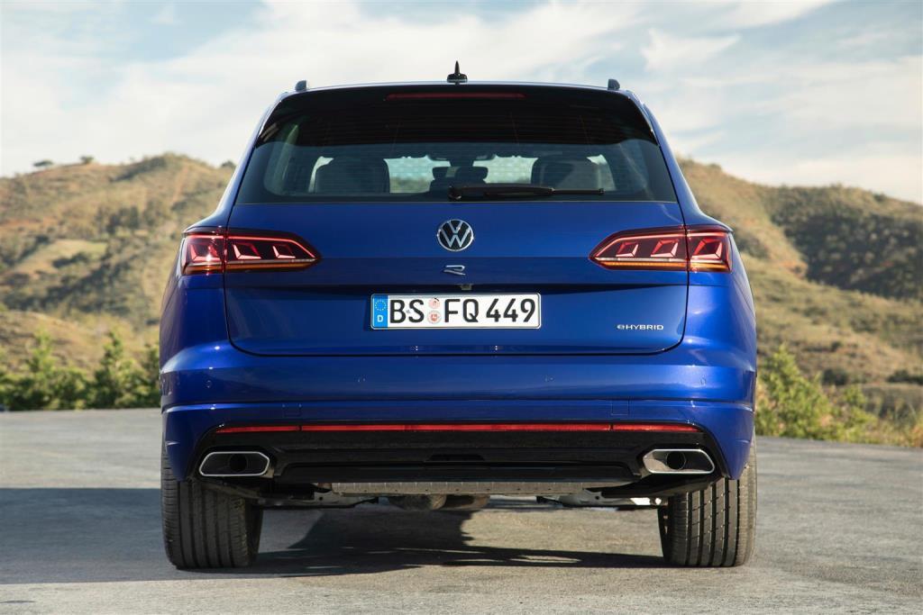 volkswagen_touareg_r_hybrid_electric_motor_news_016