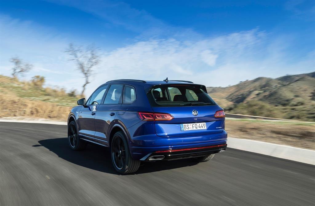 volkswagen_touareg_r_hybrid_electric_motor_news_06