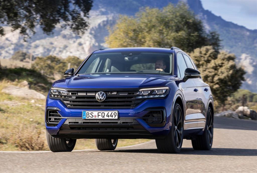 volkswagen_touareg_r_hybrid_electric_motor_news_07