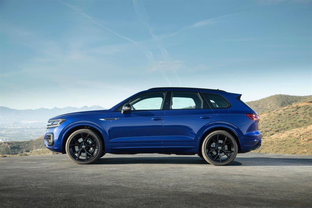 volkswagen_touareg_r_hybrid_electric_motor_news_14