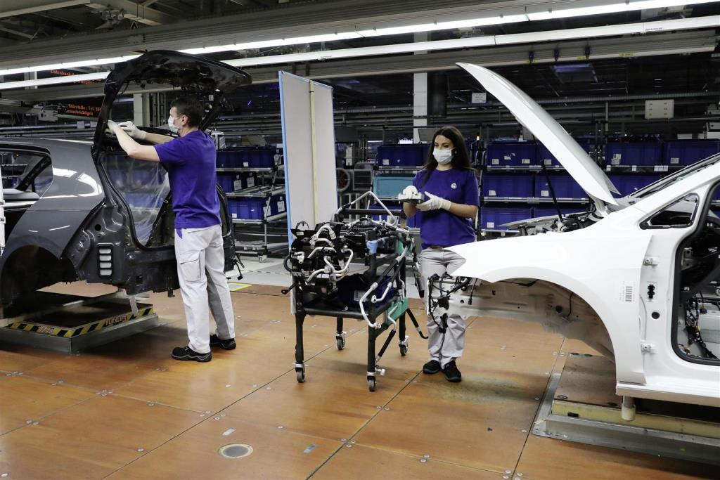 ripresa_produzione_stabilimenti_volkswagen_electric_motor_news_01
