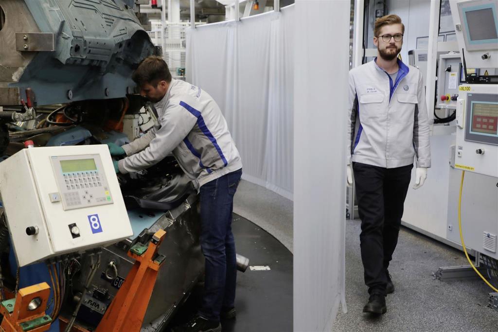 ripresa_produzione_stabilimenti_volkswagen_electric_motor_news_05