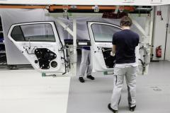 ripresa_produzione_stabilimenti_volkswagen_electric_motor_news_03