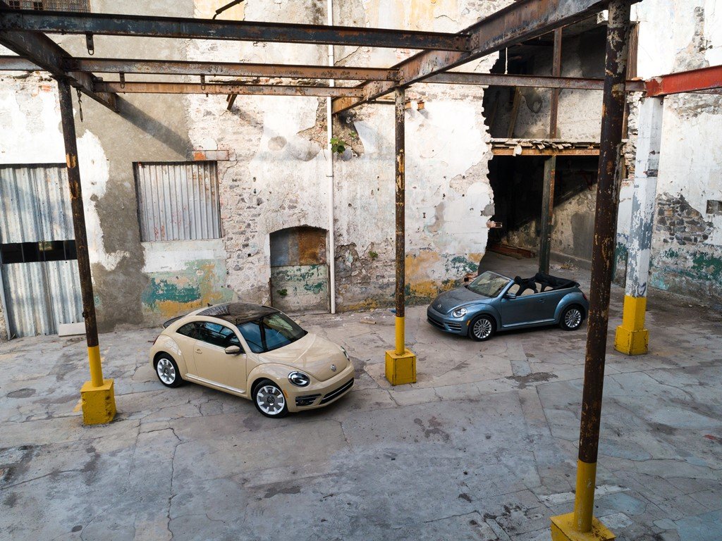 2019_Beetle_Convertible_Final_Edition_and_2019_Beetle_Final_Edition-Large-9021