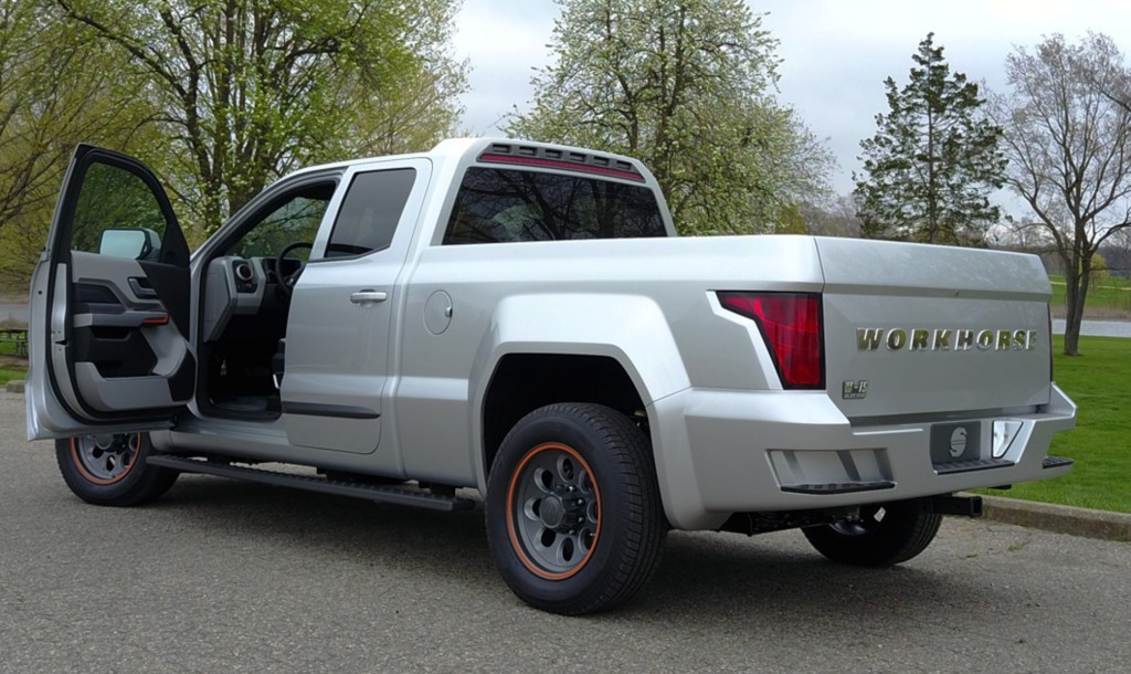 workhorse-w-15-extended-range-electric-pickup-truck_electric_motor_news_02
