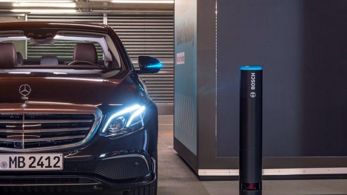 Parcheggio autonomo Mercedes-Benz e Bosch