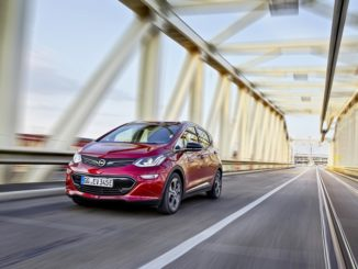 Record breaking 750 km trip for Opel Ampera