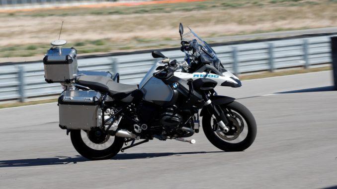 BMW Motorrad guida autonoma