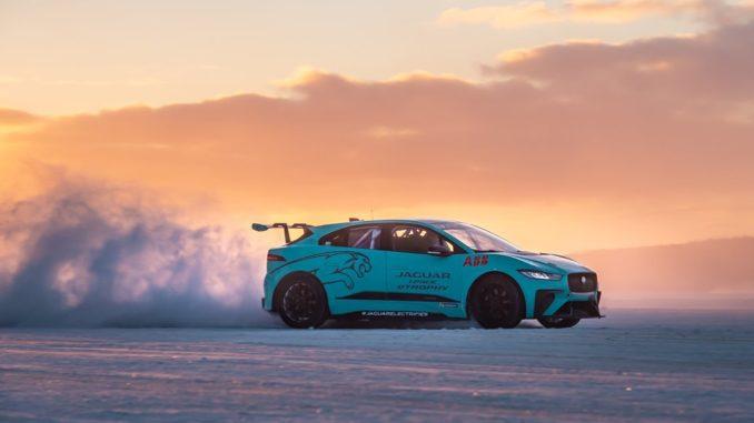 Jaguar I-PACE circolo polare artico