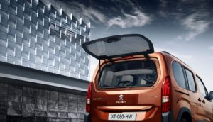 Nuovo Peugeot Rifter PureTech 130 EAT8