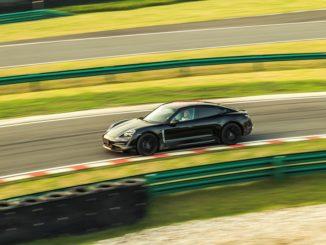 Porsche Taycan al Porsche Experience Centre di Shanghai