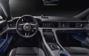 Porsche Taycan cruscotto