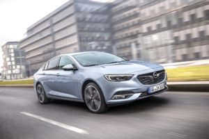 "Opel premiata con il ""Car Connectivity Award 2019"""