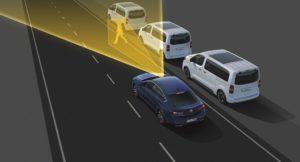fari IntelliLux LED Pixel che equipaggiano la nuova Opel Insignia