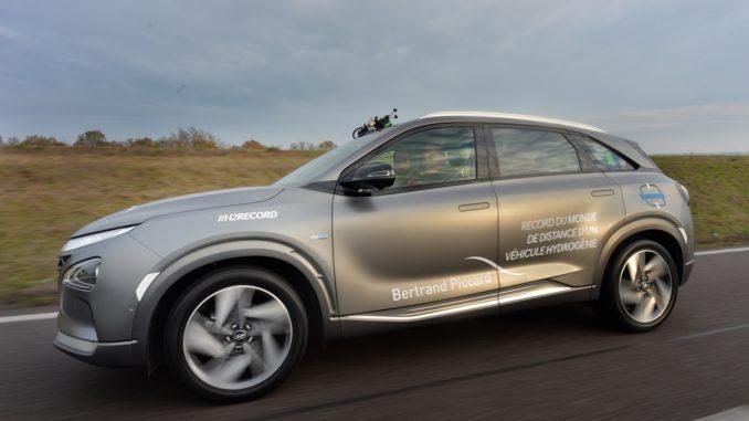 Bertrand Piccard con un Hyundai NEXO