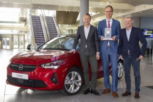 "Nuova Opel Corsa premiata con il ""Connected Car Award"""
