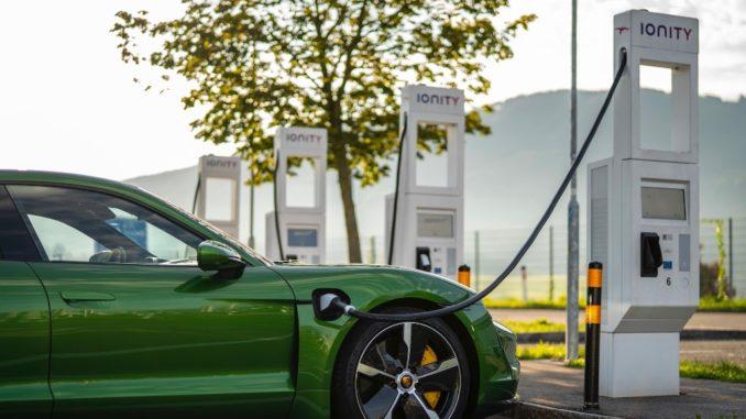 Ricarica rapida e comoda con il Porsche Charging Service