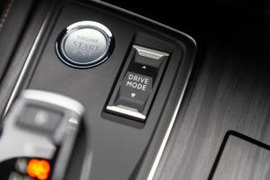 guida di Peugeot 3008 Hybrid4 e 508Hybrid