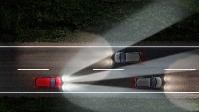 fari IntelliLux LED Matrix di Opel Astra