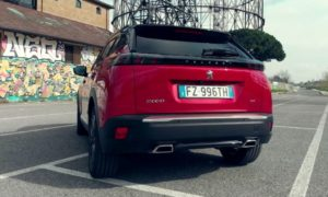 Nuovo SUV Peugeot 2008 GT
