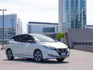 giù i prezzi di Nissan Leaf