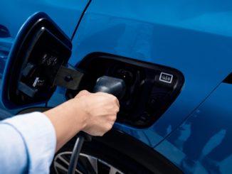 Peugeot elettrica e termica