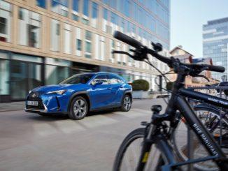 rivoluzione silenziosa di Lexus UX 300e