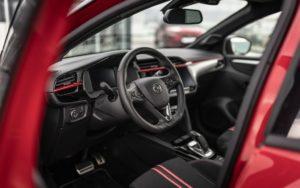 Opel estende la gamma di Corsa-e