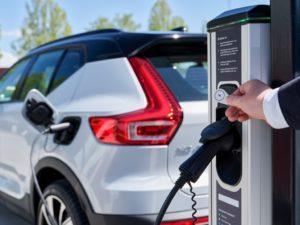 Volvo Cars e Plugsurfing