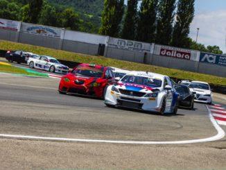 Debutto e vittoria della Nuova Peugeot 308TCR