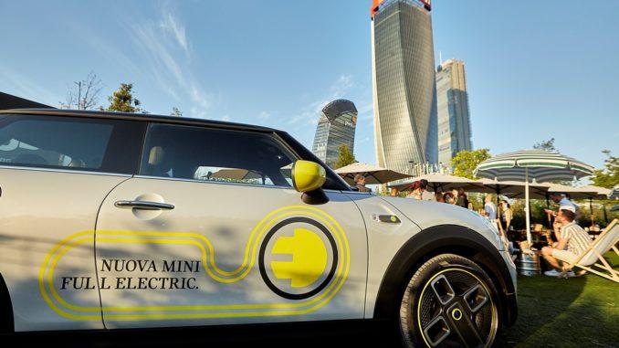 MINI Full Electric al GUD Milano Citylife