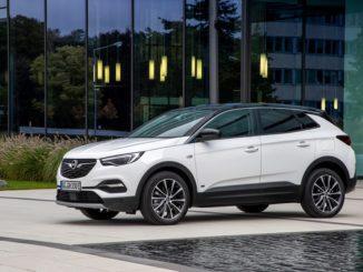Opel Grandland X Hybrid Plug-in a trazione anteriore