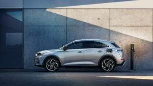 DS 7 Crossback E-Tense 4X4 300 alla Paris Fashion Week
