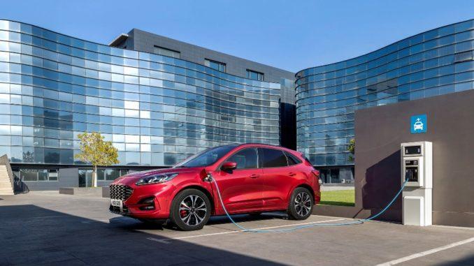 ibride più vendute nel 2020 sono Ford Puma Hybrid e Kuga Plug-in Hybrid
