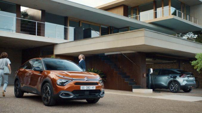 """""""Open the Way"""" di Nuove Citroën C4 e Nuova ë-C4 - 100% ëlectric"""