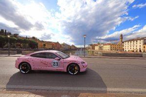 Porsche Taycan sfila