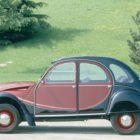 CITROEN_2CV_CHARLESTON_(85.051.003_copyright_GUYOT)