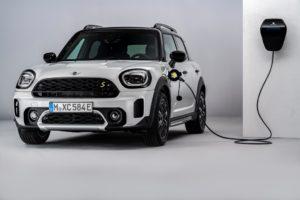 Da BMW, più di 7 milioni di veicoli elettrificati entro il 2030