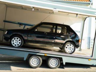 """Peugeot 205 GTi, la prima auto restaurata da """"L'Aventure Peugeot"""""""